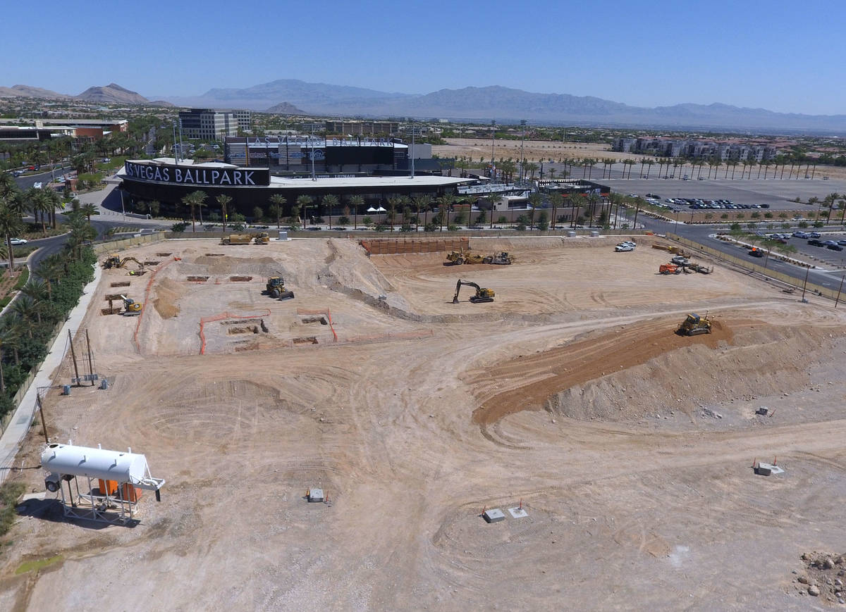 Ya están en marcha las obras de construcción de un nuevo edificio de oficinas junto a Las Veg ...