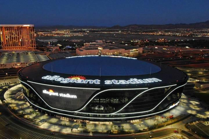 Archivo.- Vista aérea del Allegiant Stadium el viernes 31 de julio de 2020, en Las Vegas. [Fot ...