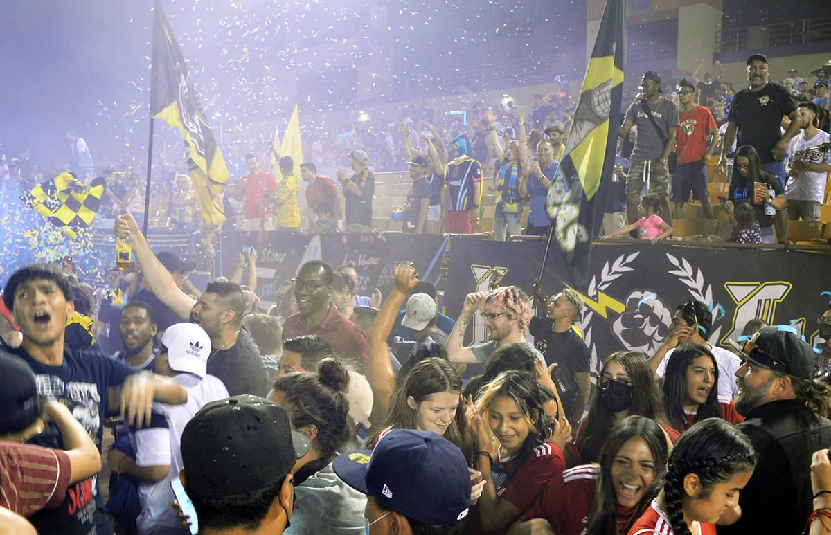 La algarabía de los aficionados se hizo presente en el segundo juego de Las Vegas Lights FC en ...