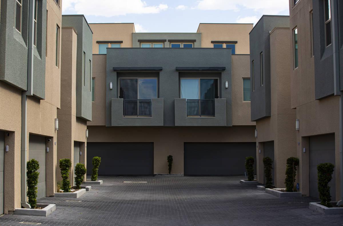 Casas adosadas y condominios en Affinity by Taylor Morrison en Summerlin justo al oeste del 215 ...