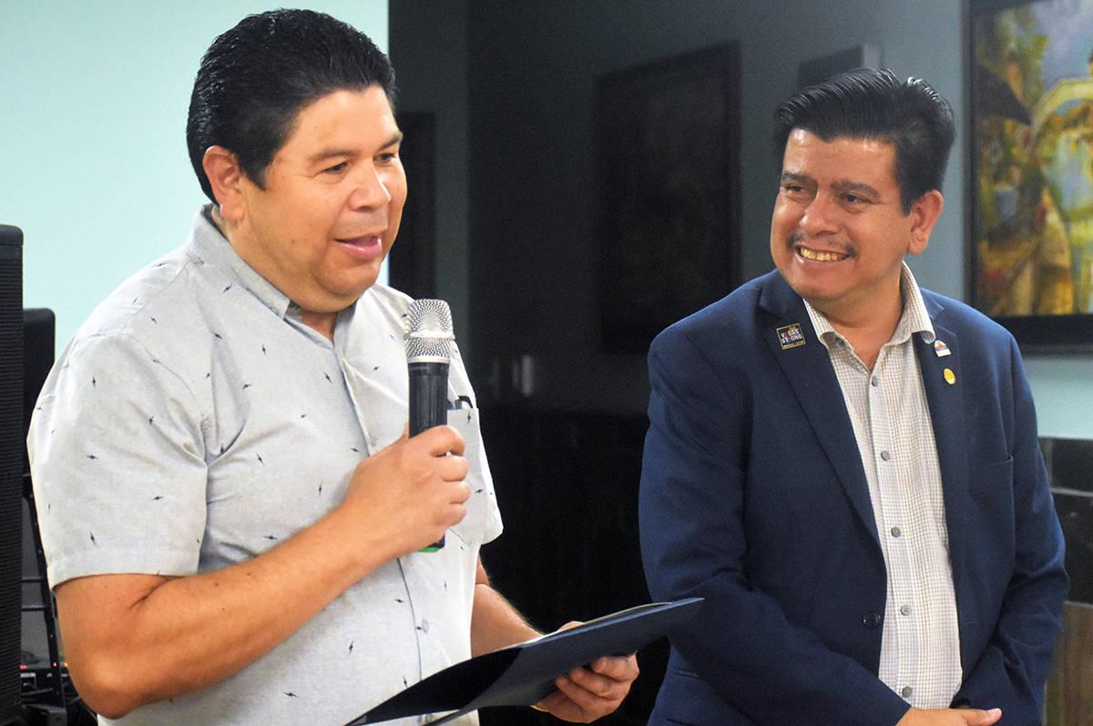 El cónsul agradeció el reconocimiento otorgado por el concejal de North Las Vegas, Isaac Barr ...