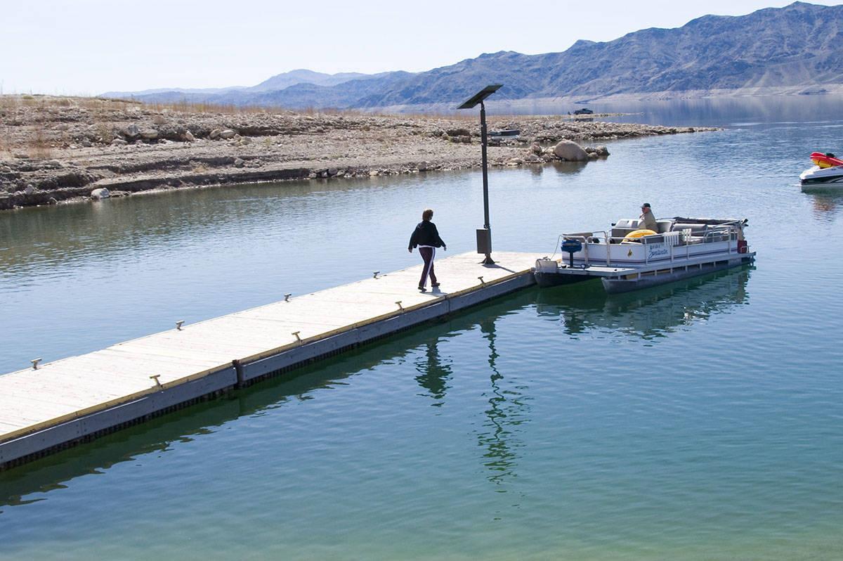 El muelle de la rampa de lanzamiento de botes de South Cove, cerca del extremo oriental del Lak ...