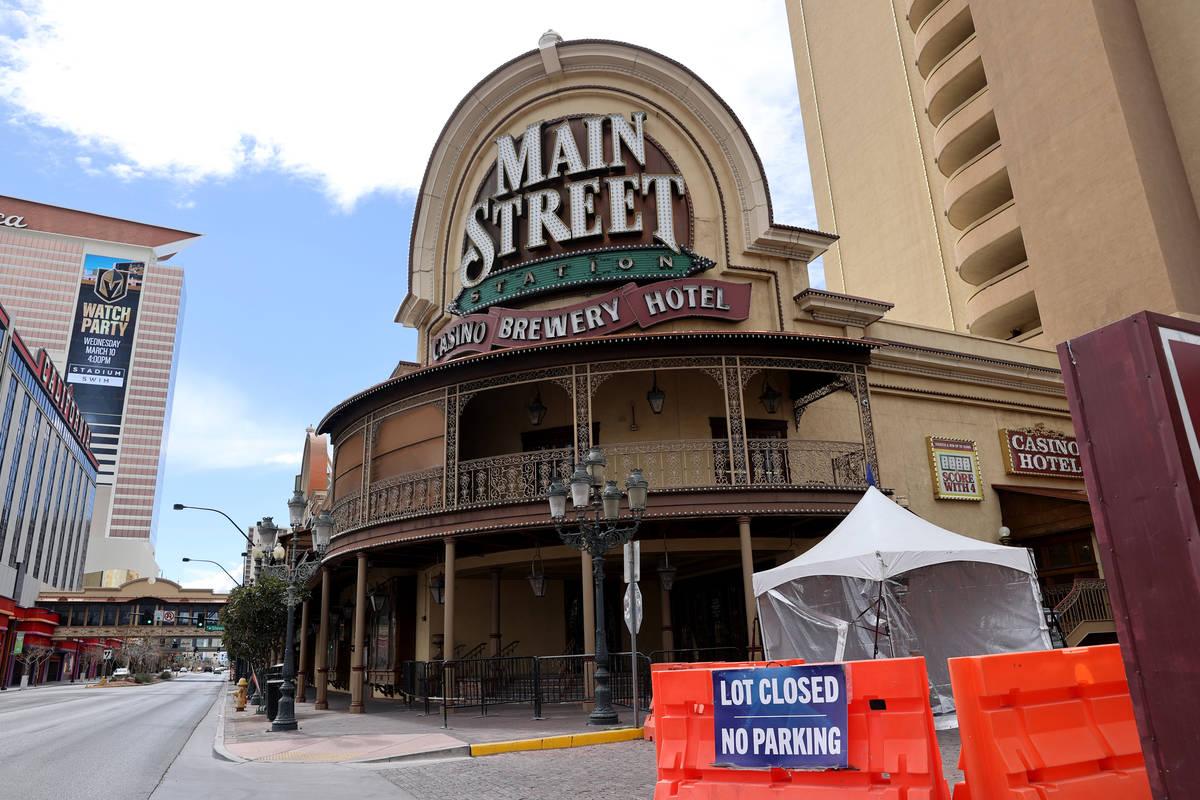 Main Street Station cerrado en el centro de Las Vegas el miércoles, 10 de marzo de 2021. (K.M. ...