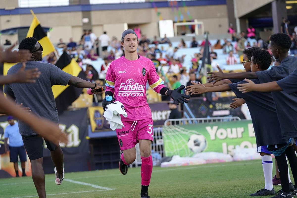 El portero Alex Rando (35), realizó un trabajo interesante, salvó su arco de otros goles. El ...