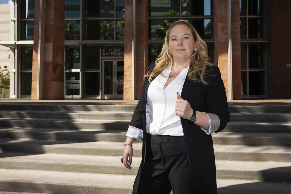 Kaila Leavitt, de Leavitt Evictions, posa para un retrato en el Regional Justice Center en Las ...