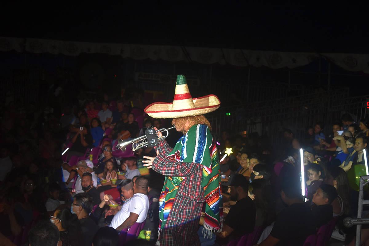 El Payasito Tutti Fruti, de descendencia chilena, tocó la trompeta muy a la mexicana interpret ...