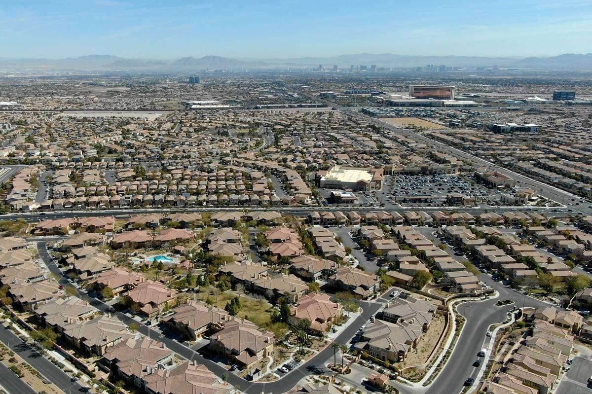 Una vista aérea de las urbanizaciones cercanas a Paseos Park en Summerlin el martes 23 de febr ...