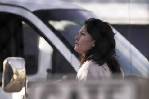 Heather Catherine Tallchief es escoltada al Centro de Detención del Condado Clark en Las Vegas ...