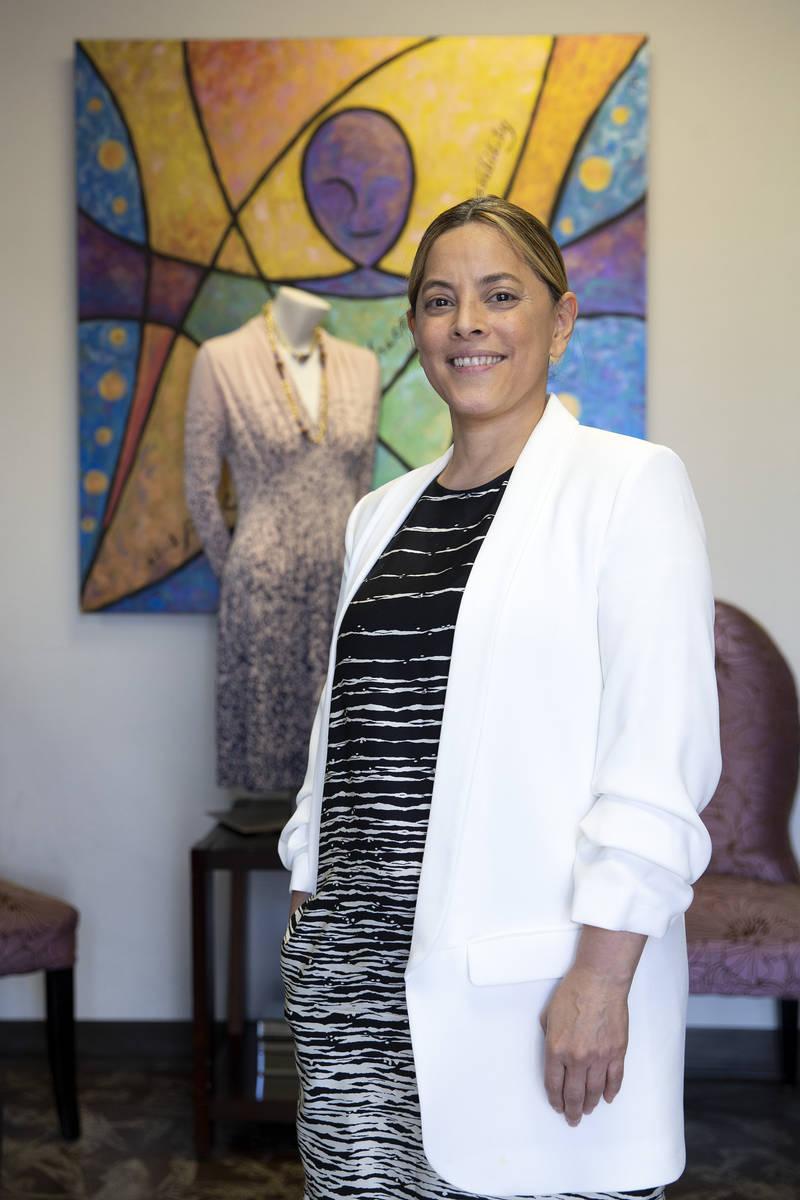 Norma Intriago, directora ejecutiva de la organización sin fin de lucro Dress for Success Sout ...