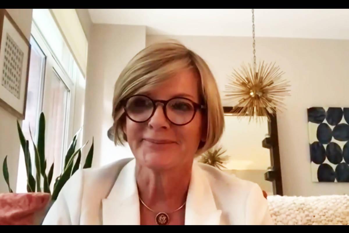 La congresista Susie Lee se unió a una conferencia virtual organizada por Battle Born Progress ...