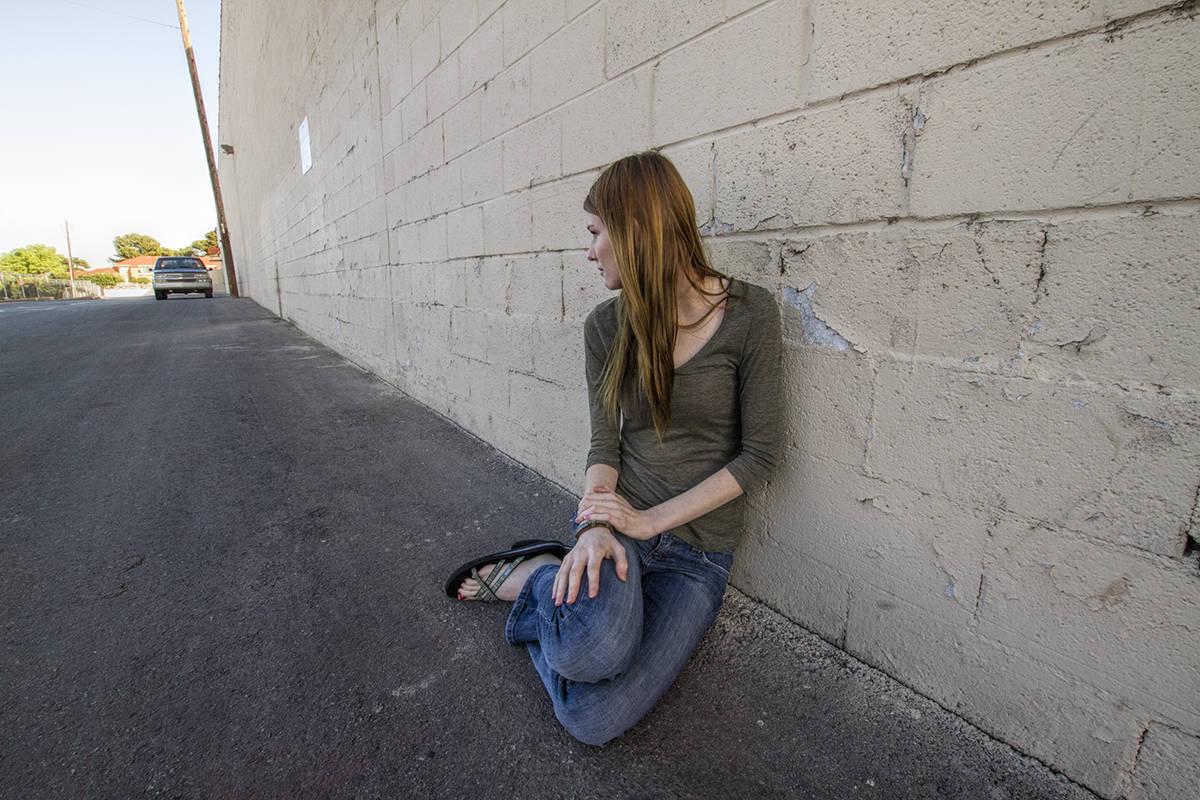 Diariamente, NPHY ayuda a niños y adolescentes, de 12 a 17 años, que son encontrados en las c ...