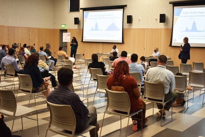Funcionarios locales realizaron un evento para escuchar las opiniones de la comunidad sobre en ...