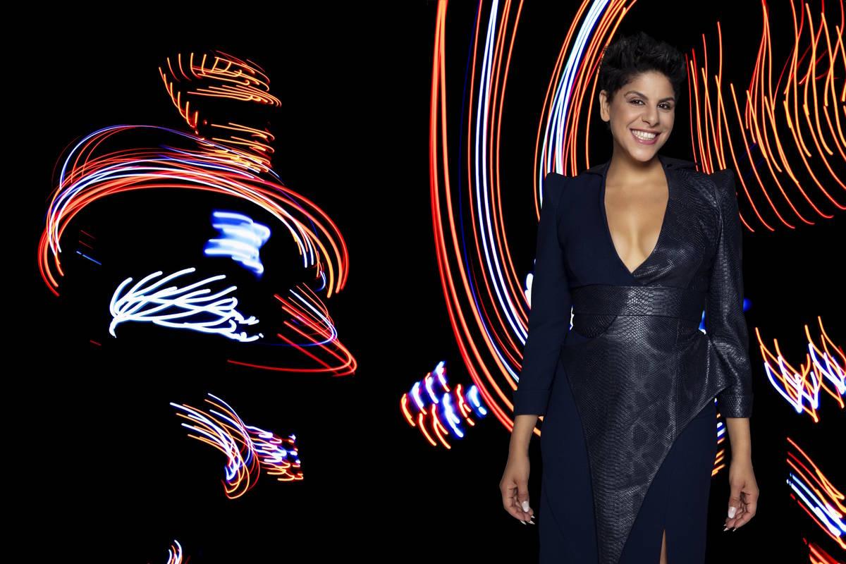 """Miral Kotb es la fundadora de """"iLuminate"""", el espectáculo de danza que brilla en la oscuridad ..."""
