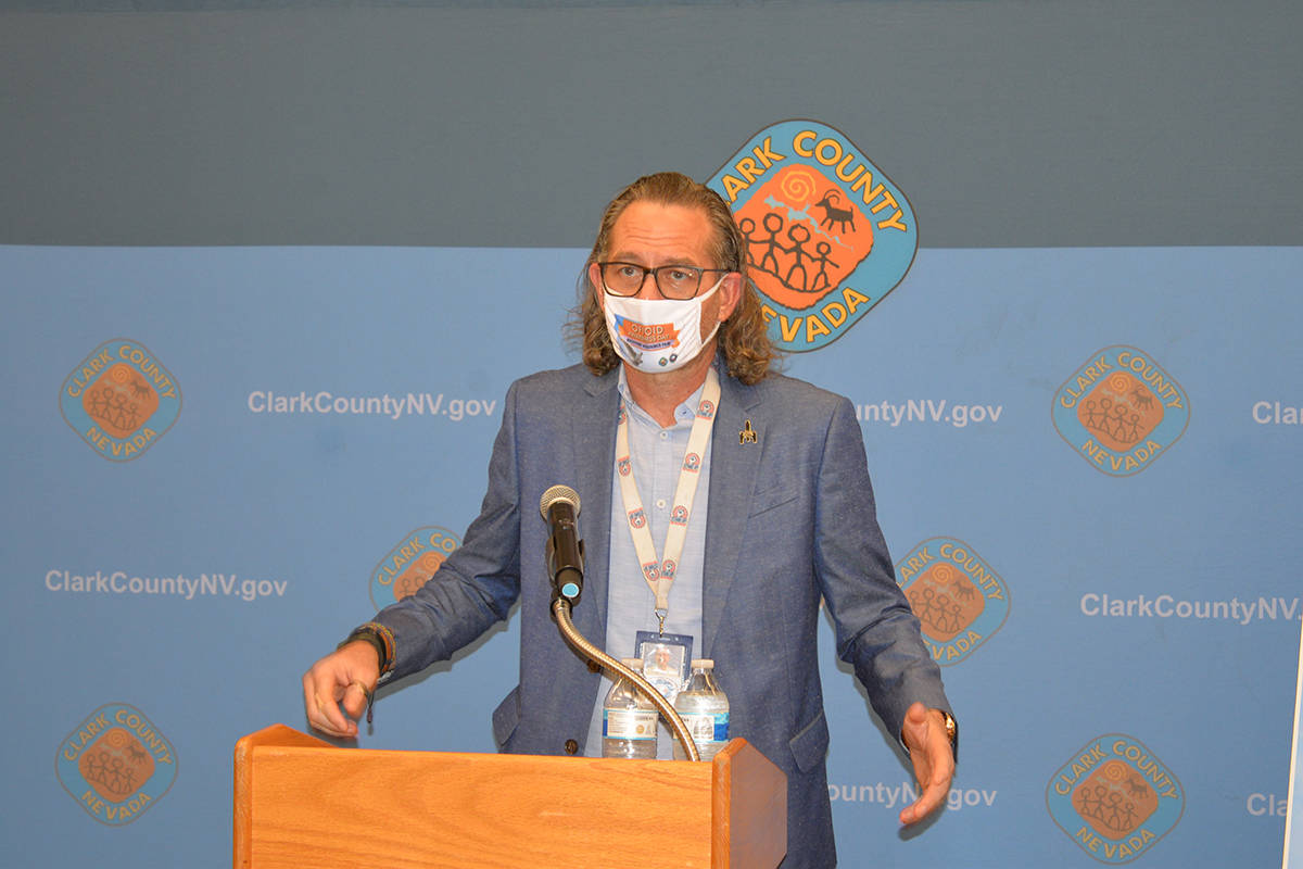 "Will Allphin, de la ""Foundation for Recovery"", ofreció una charla cobre Naloxona, un medic ..."