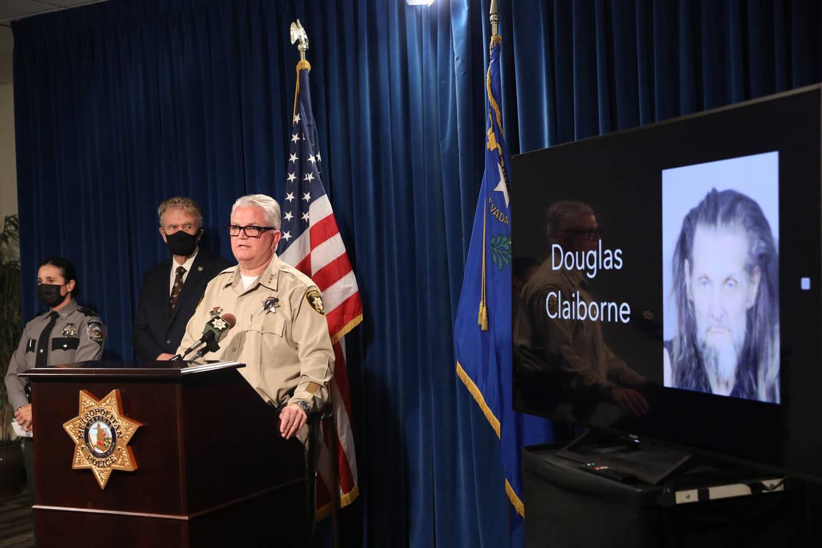 El sub-alguacil del Departamento de Policía Metropolitana, Christopher Darcy, se dirige a los ...
