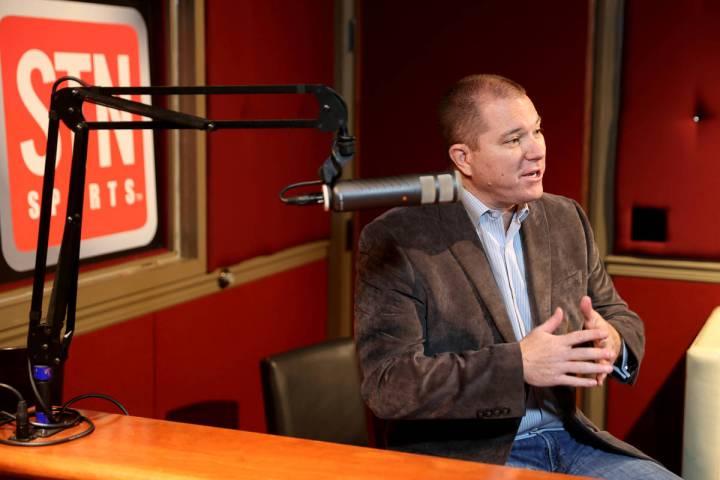 El director de apuestas deportivas de Red Rock Resort, Jason McCormick, graba un nuevo podcast ...