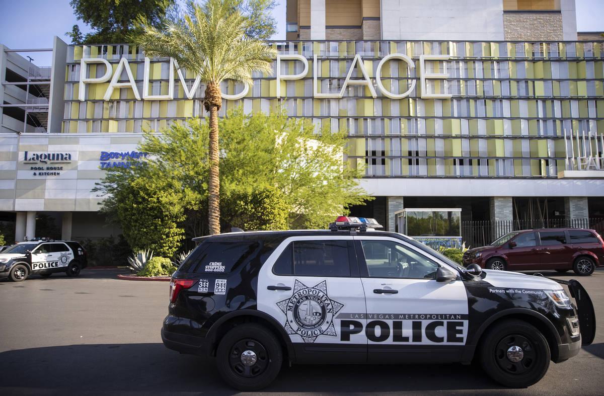 La policía de Las Vegas investiga después de que dos mujeres fueran encontradas muertas tras ...