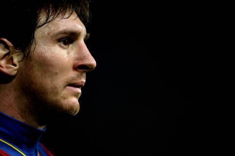 El argentino Lionel Messi de Barcelona es visto durante su partido de fútbol de La Liga contra ...