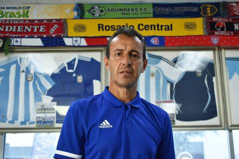 En su visita a Las Vegas, el ex-futbolista y actual entrenador de la Selección Juvenil de Arge ...