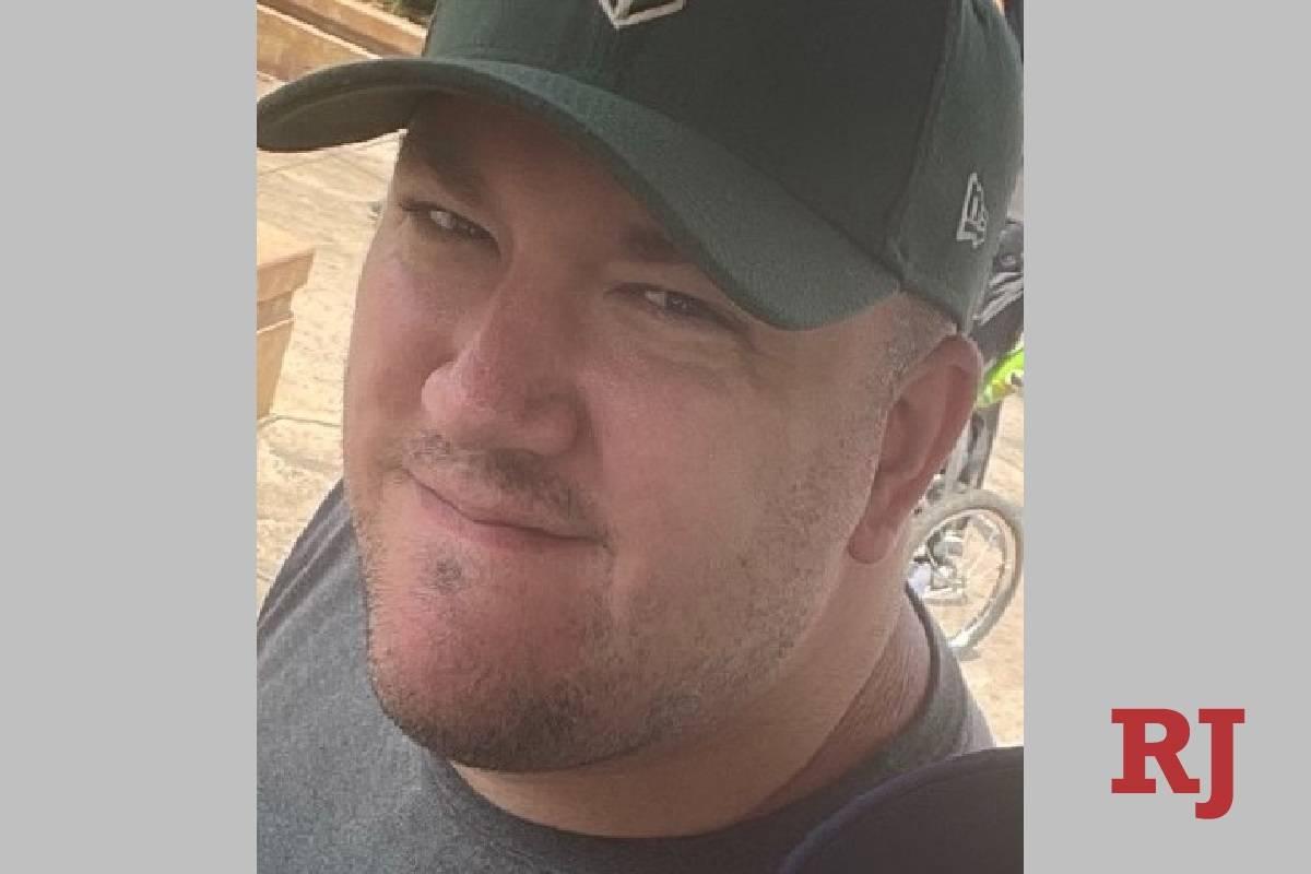 Mike Freedy, de 39 años, durante unas vacaciones familiares en julio. Su prometida sospecha qu ...