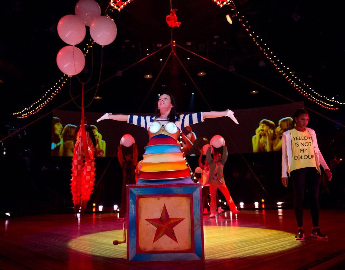 """""""The Beatles Love"""" del Cirque du Soleil en el Mirage del Strip de Las Vegas. (Tom Donoghue)"""