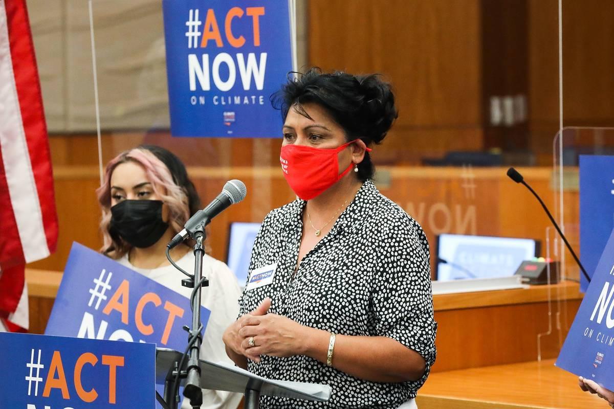 La asambleísta Susie Martínez, demócrata por Las Vegas, se dirige a los medios de comunicaci ...