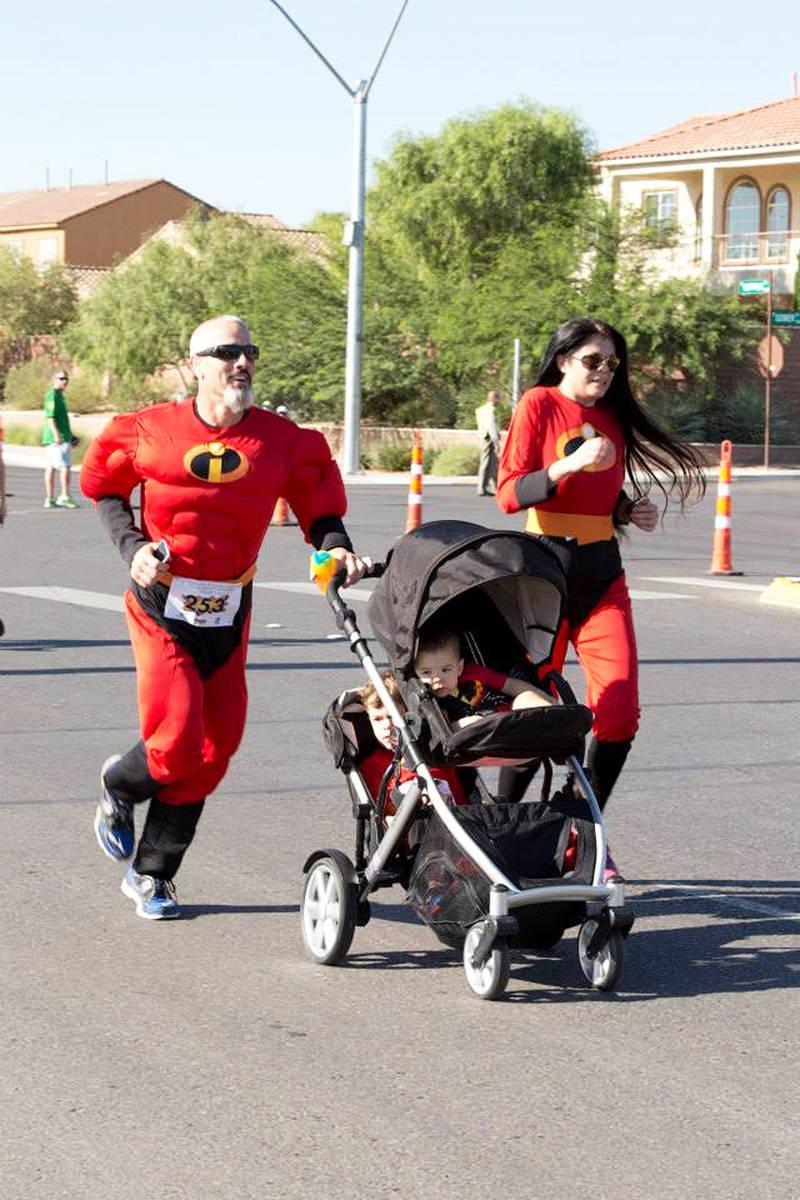 "El evento ""Candlelighters Superhero 5K"" ha sido fundamental para recaudar fondos a benefici ..."