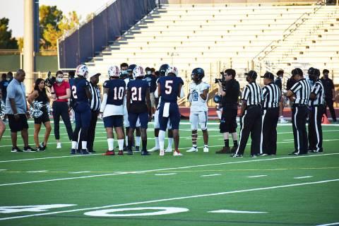 La Escuela Preparatoria Liberty derrotó a su similar de Canyon Springs en un juego de fútbol ...