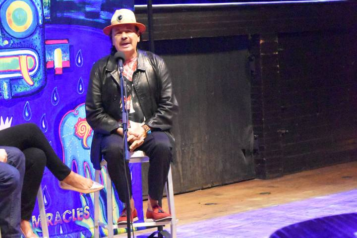 El guitarrista mexicano, Carlos Santana, habló con El Tiempo, en exclusiva, sobre el regreso d ...