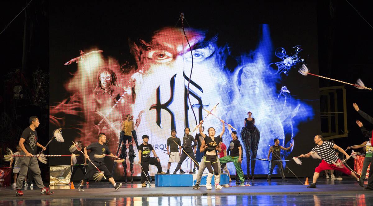 """Artistas del Cirque du Soleil ensayan para una actuación especial en """"Life is Beautiful"""" previ ..."""