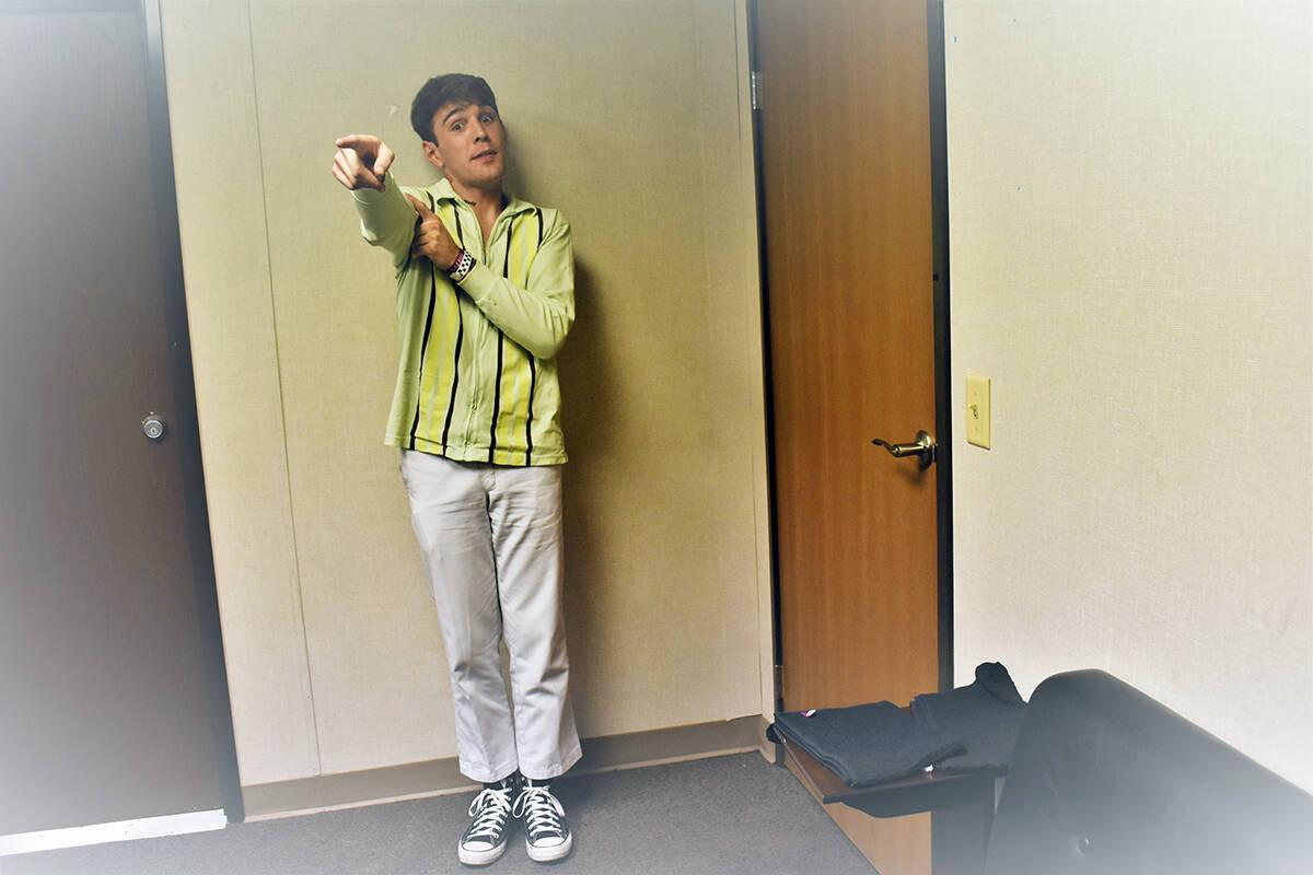 """Yung Bae el joven productor y músico en camerinos antes de comenzar su """"DJ Set"""". El doming ..."""