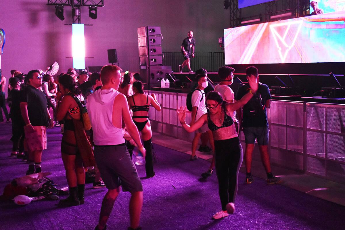 Miles de personas volvieron a disfrutar de un festival musical en Las Vegas, con la primera edi ...