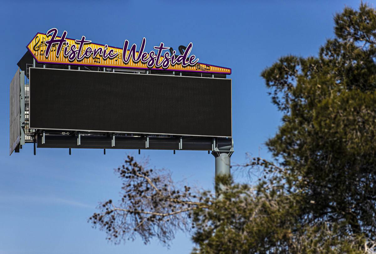 Uno de los dos nuevos letreros monumentales que marcan la entrada al Historic Westside el marte ...