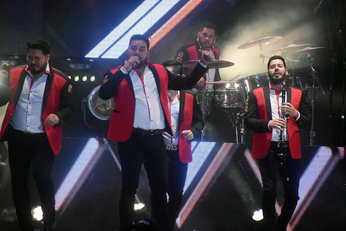 Los tres vocalistas de la banda dieron un gran espectáculo en Las Vegas. El sábado 11 de sept ...