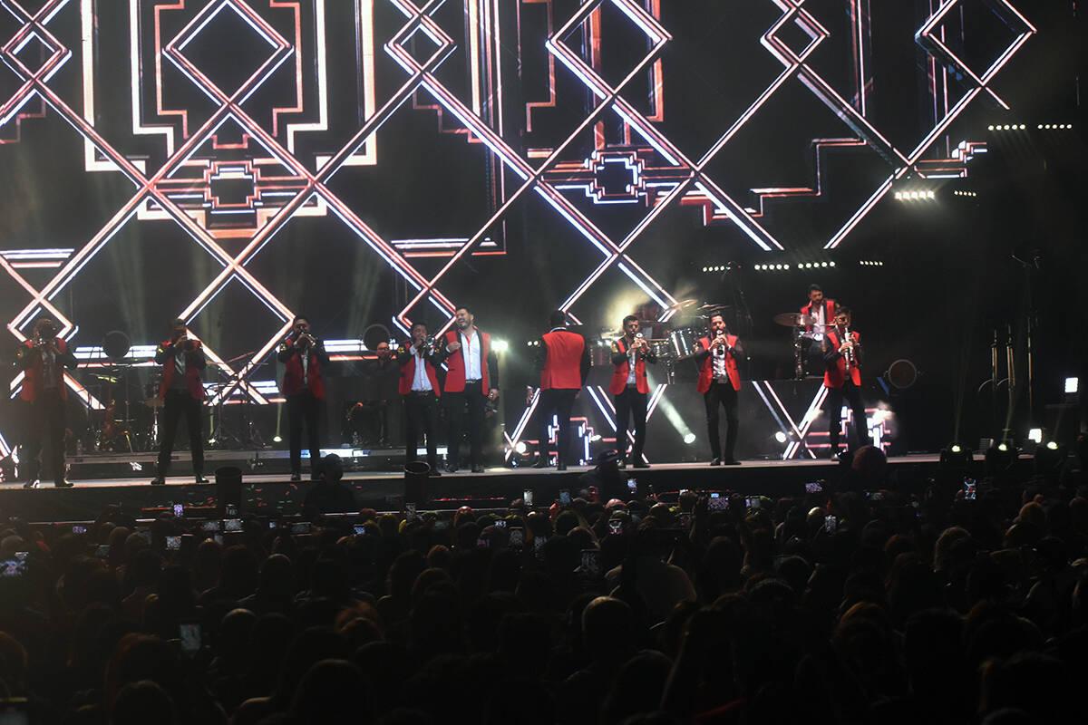 Fue un lleno total el concierto de la Banda MS en Las Vegas. El sábado 11 de septiembre de 202 ...