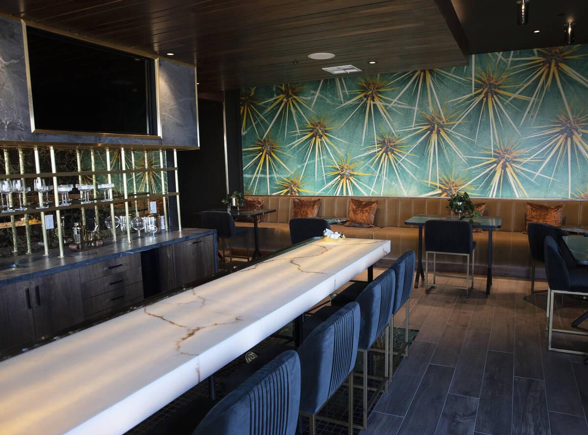 El salón de residentes de Auric Symphony, la primera comunidad residencial multifamiliar de lu ...