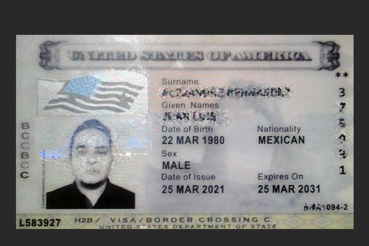 En la foto, un inmigrante de origen capitalino que logró obtener la visa de trabajo H2B y desc ...
