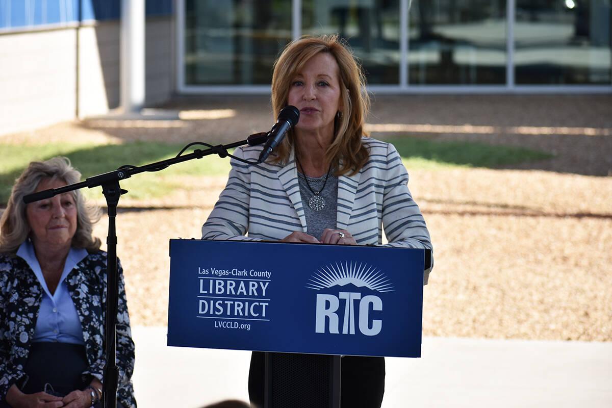La directora ejecutiva de RTC, M.J. Maynard, elogió la nueva asociación entre el Distrito de ...