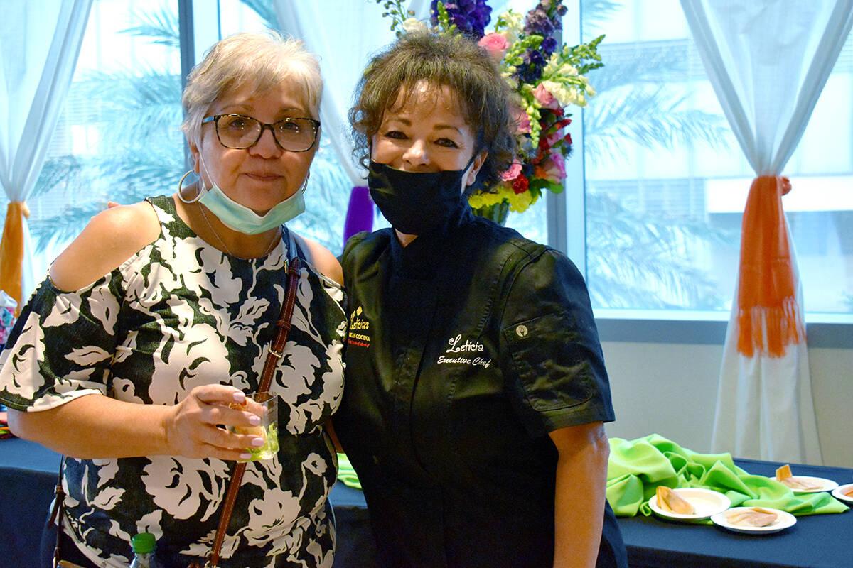 La chef ejecutiva Leticia Mitchell, fue la encargada de preparar los antojitos mexicanos para l ...