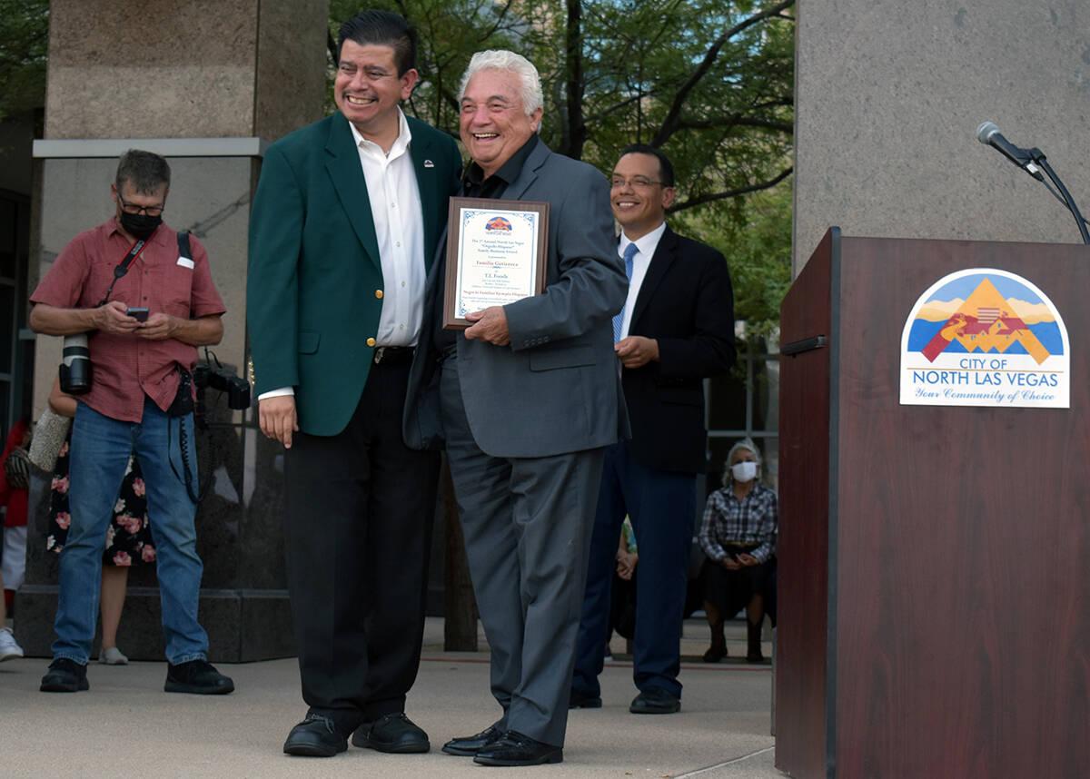 La familia Gutiérrez recibió el premio a Familia Hispana Ejemplar. El miércoles 15 de septie ...