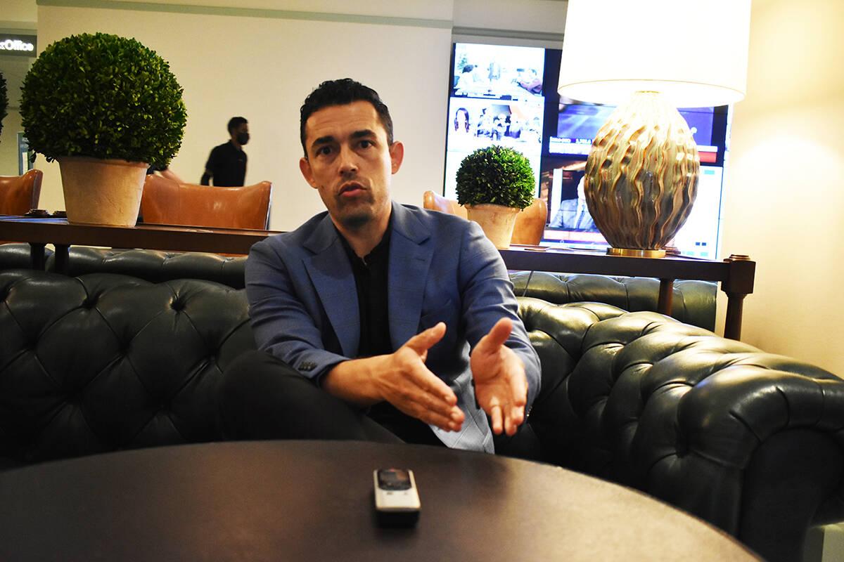 El ex-futbolista y actual embajador de la Leagues Cup, Hérculez Gómez, brinda una entrevista ...