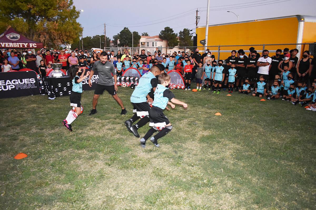 Niños de Las Vegas Diversity FC se divirtieron con los juegos realizados en un evento comunita ...