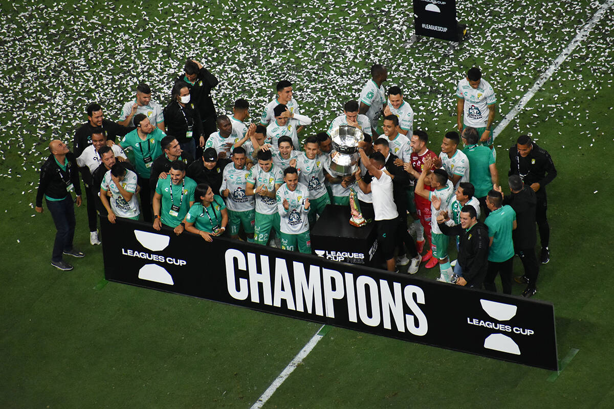 Los jugadores del Club León celebran el título de la Leagues Cup 2021. Miércoles 22 de septi ...