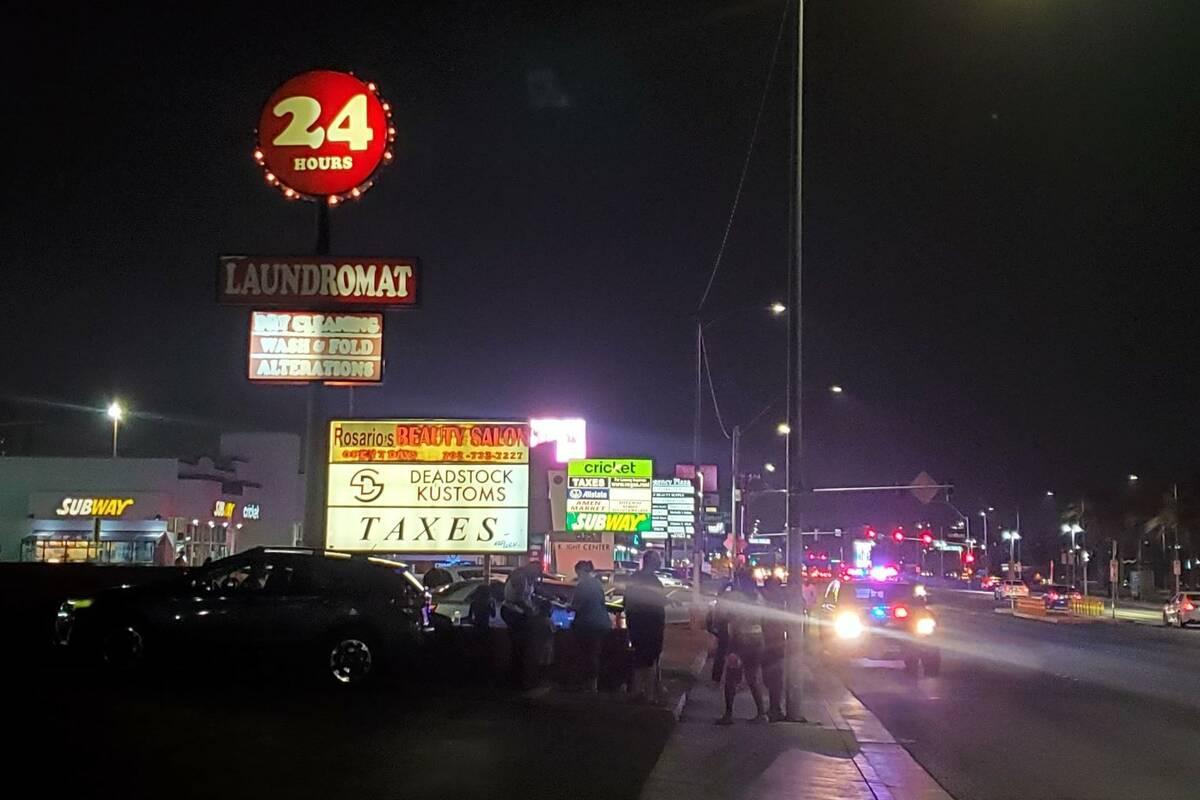 La policía investiga un homicidio en la cuadra 3500 de South Maryland Parkway en Las Vegas el ...