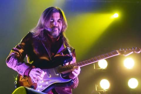 Uno de los temas favoritos de la noche, en el concierto de Juanes, fue la del grupo Metallica, ...