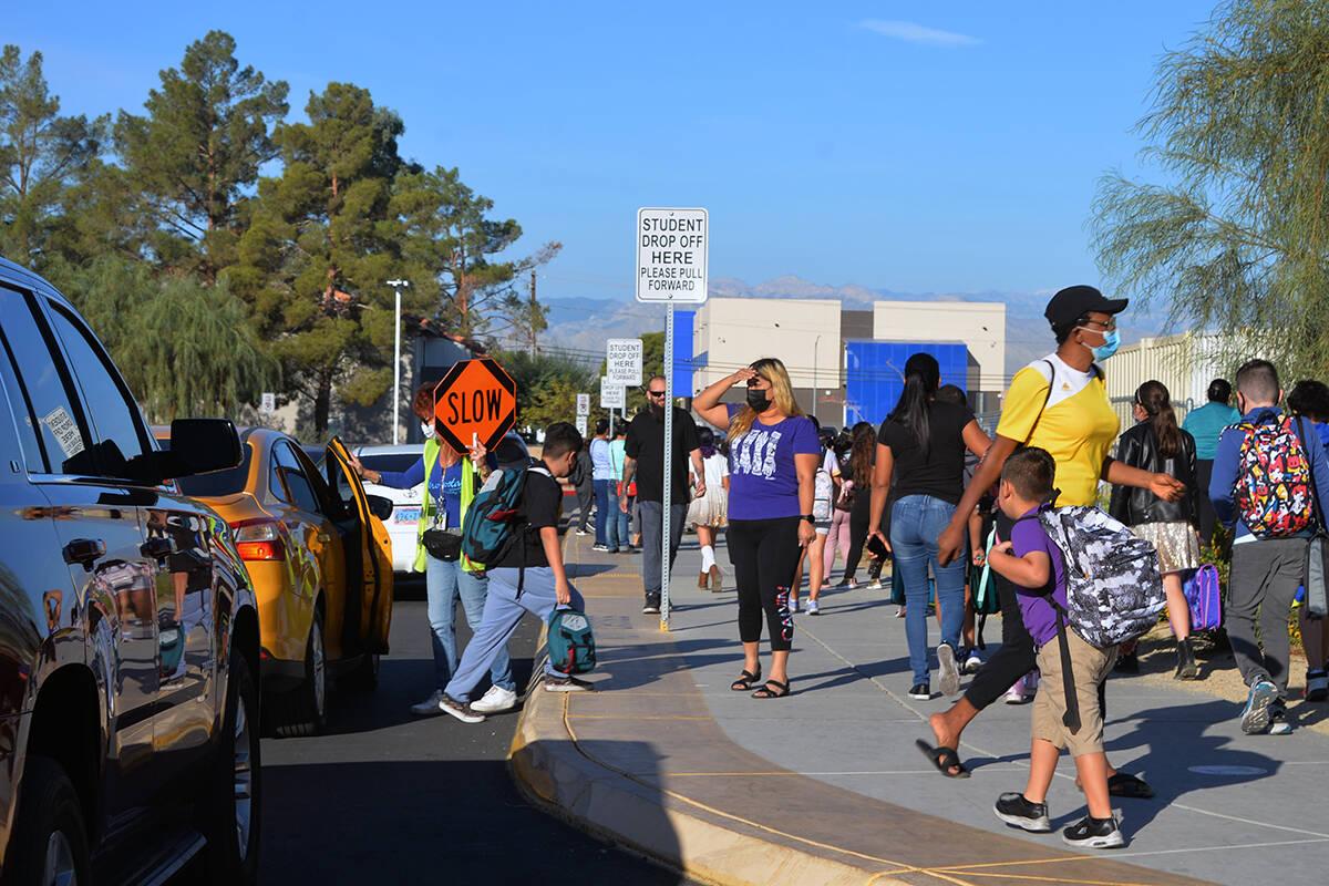 """El CCSD celebró el """"Día Internacional de Caminar a la Escuela"""" con un programa que incluyó a ..."""