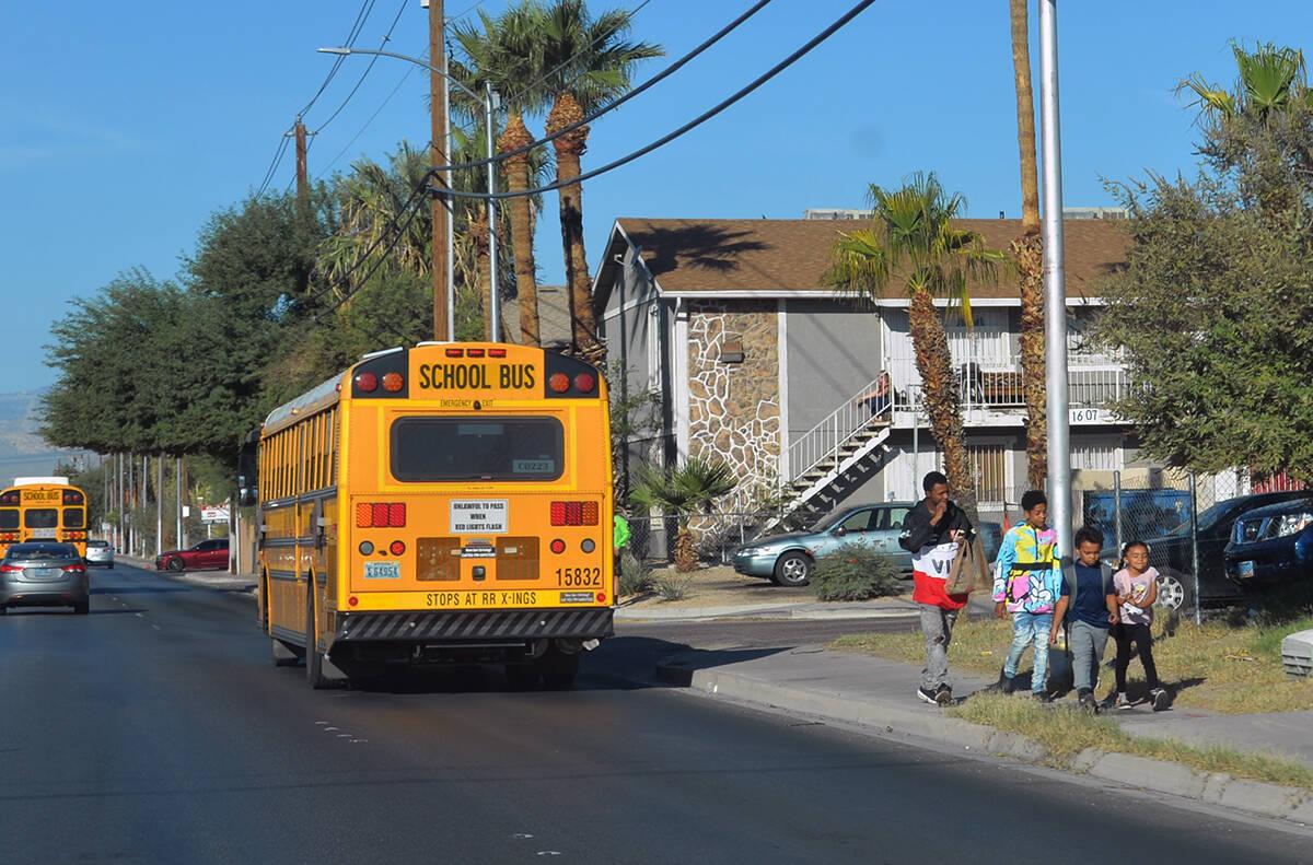 """El CCSD celebró el """"Día Internacional de Caminar a la Escuela"""" con programa que incluyó anda ..."""