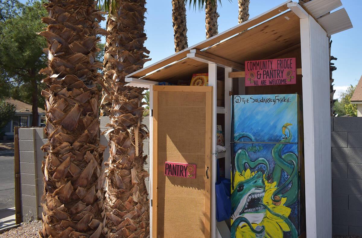 El refrigerador y la alacena están ubicados frente de la casa de Victoria Flores, en el 5502 B ...