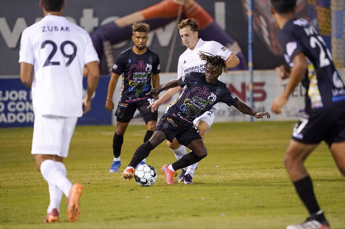 Las Vegas Lights FC mejora, jugaron de manera extraordinaria, pero un gol tempranero al minuto ...