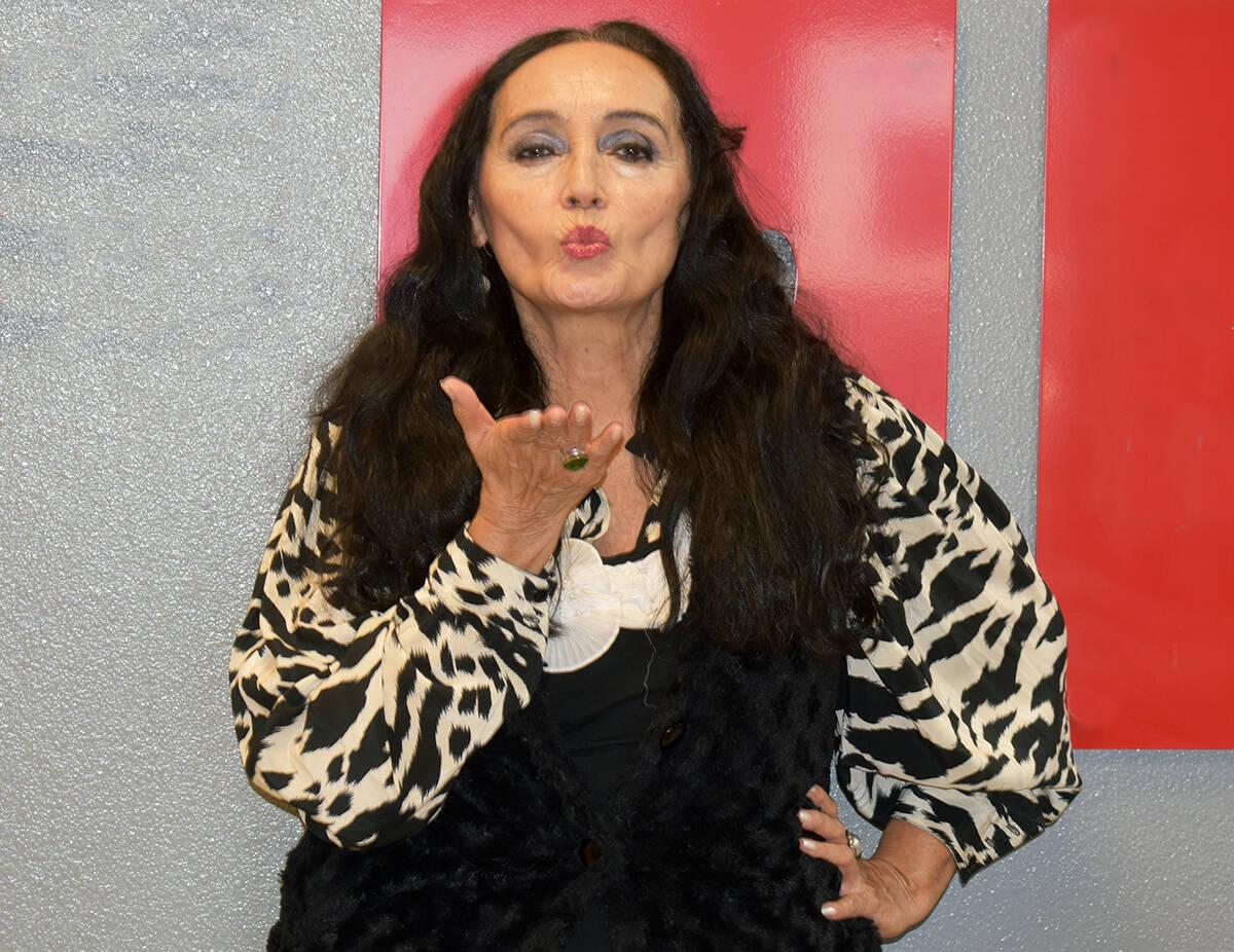 Anabella Corro Gregersen, es una modelo de origen mexicano-danés, que aparece, junto a otras l ...